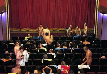 Teatro nudista para espectadores nudistas en Argentina