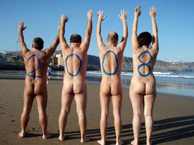 Los Verdes de Canarias felicitan el año nuevo desnudos