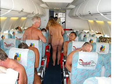 Desnudos en pleno vuelo