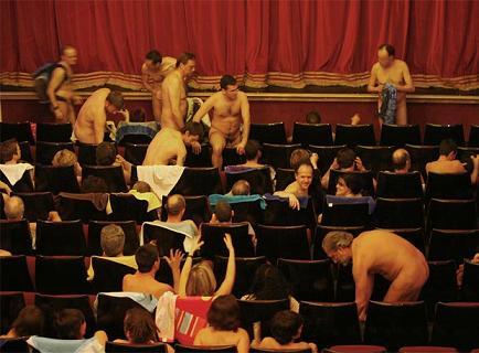 El Arlequín se desnuda
