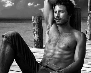Hugo Silva: El actor confiesa en que le encanta el nudismo.