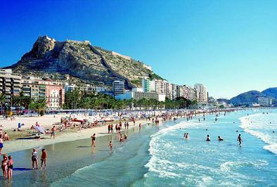 El nudismo, multado en Alicante