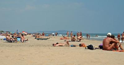 Inauguran la primera playa de nudismo naturista de Argentina
